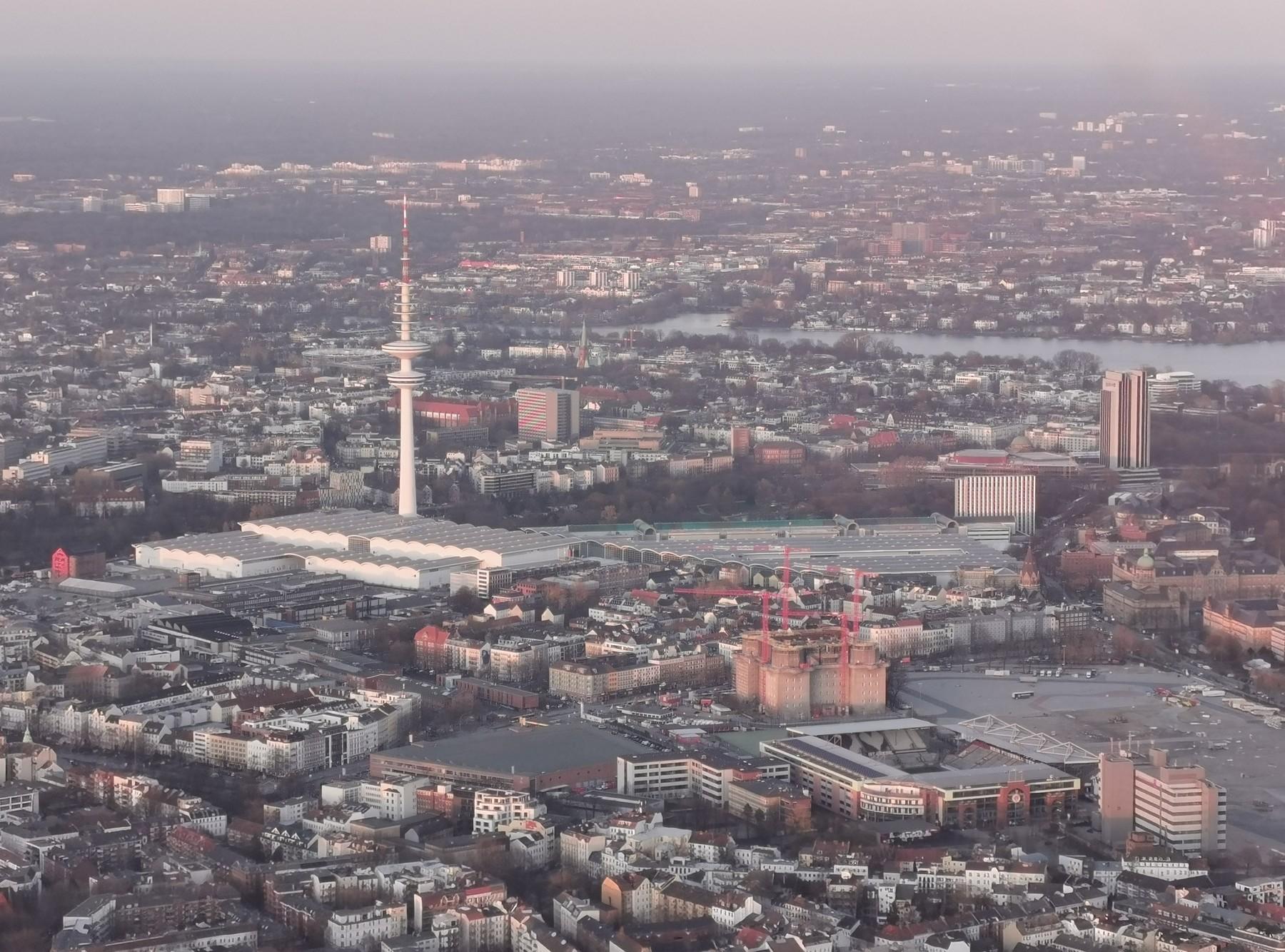 Abenddämmerung über Hamburg